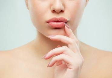 7 Treatments for Dark Upper Lip